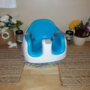 Bumbo baby seat with harness & retractable straps